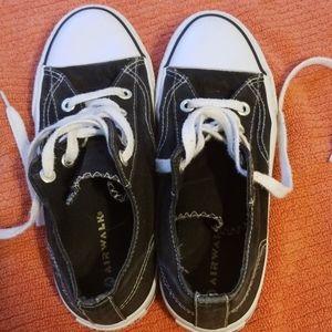 Black airwalk shoes